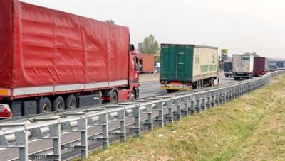 La situazione dell'inquinamento da trasporti migliora, ma non abbastanza (imagoeconomica)